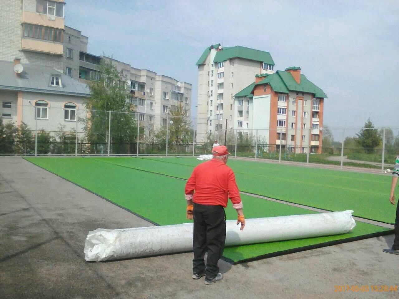 У Трускавці встановили перший вуличний тренажер та почали облаштовувати футбольне поле зі штучним покриттям